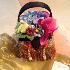 Handbags - Secret Garden Evening Bag! HOST PICK❤️