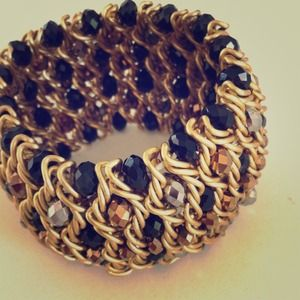 Chunky gold chain and beaded bracelet