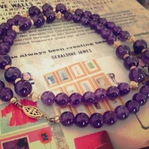 Jewelry - Necklace (PRICE IS FIRM)