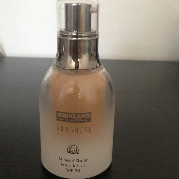 60 Off Other Borghese Mineral Sheer Foundation Spf 20