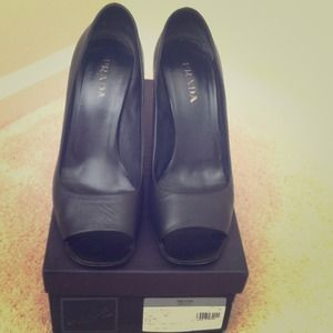Black Stylish Prada Pumps