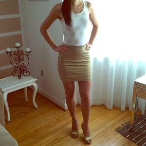 🎉HOST PICK🎉Express High Waist Mini Skirt 💛