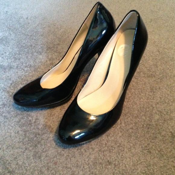 87aedc641a Nine West Shoes   Black Patent Leather Pumps   Poshmark