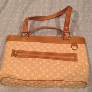 Limited edition: LV handbag