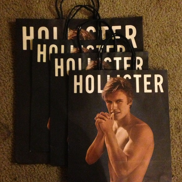 30% off Hollister Jewelry - Hollister shopping bags 🌴 from ...