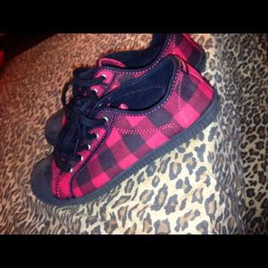 Rocket dog plaid sneakers