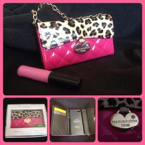 New Hot pink & leopard IPhone 5 wallet/wristlet