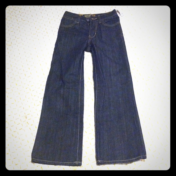 Shop online for boys jeans at Old Navy. Our kids jeans could be what you've been looking for.