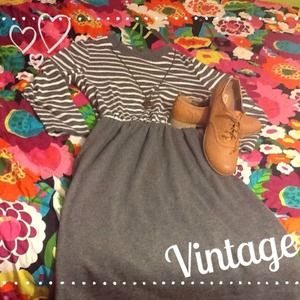 Dresses & Skirts - ⛄️❄️GORGEOUS vintage grey cinch waist sleeve dress