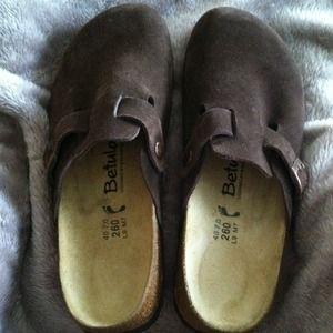 Shoes - -lowest is $35- Brown Birkenstock clogs
