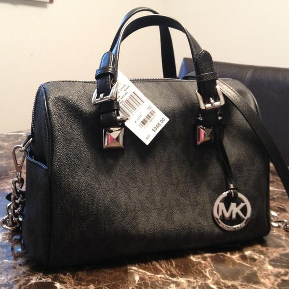 e99d1840a563 PRICE REDUCED! Authentic MK Grayson Chain Black