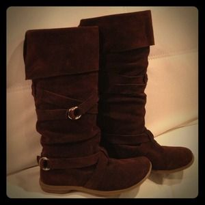 Suede wrap boots in dark brown