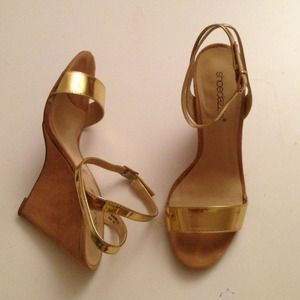 GOLD STRAP WEDGE HEEL