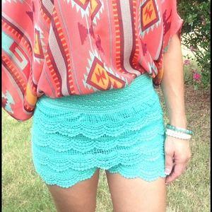 ⬇️New mint lined crochet shorts