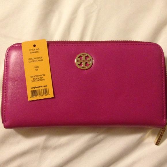 99709e65e66 Reduced✨✨Tory burch magenta wallet
