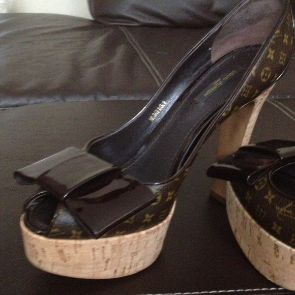 dcfbd36f6bc 69% off Louis Vuitton Shoes - Authentic used Louis Vuitton shoes from  Rhonda  39