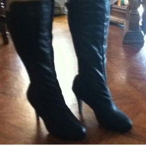 Boots - ??LAST REDUCTION ??Black boots?