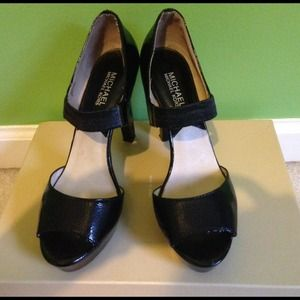 REDUCED!!!!! Michael Kors black heels.