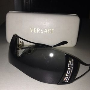 45a19299b147 Versace Accessories - Versace sunglasses. Mod. 2058-B.