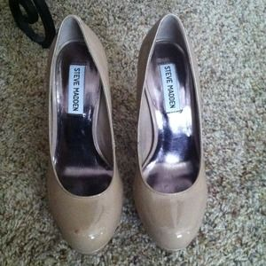 Steve Madden Nude/Taupe Pumps size 6.5