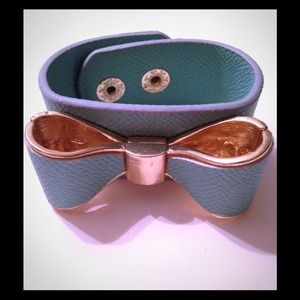 Mint Color Bow Bracelet with Gold Accent