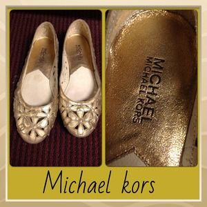 MICHAEL Michael Kors Shoes - Host pick 8/19 🎉 Michael kors flats