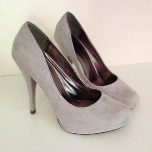 Gray Suede Pumps/Heels
