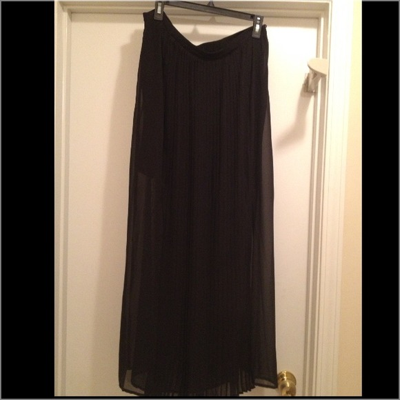 bisou bisou pleated front maxi skirt 12 from s