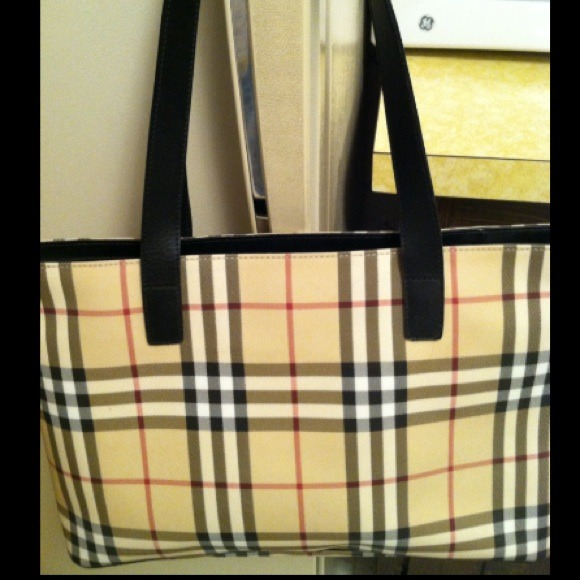 8b8505831ffb Burberry Handbags - Authentic Burberry Handbag  Tote