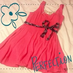 H&M Dresses & Skirts - ⛄️❄️CUTE skater pink tank dress 💕🎀