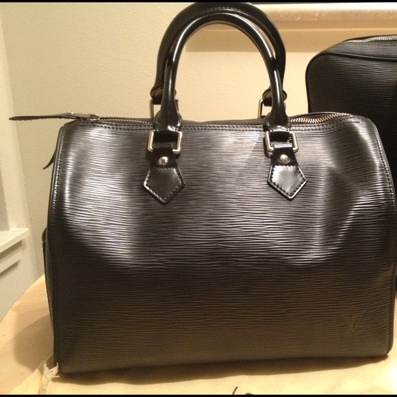 Louis Vuitton Handbags - Louis Vuitton Black Epi Leather Speedy 25 Handbag 65148e43d9