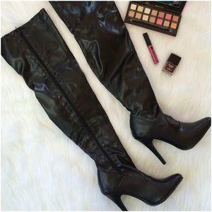 Ellie  Shoes - 💖2X Host Pick💖 Thigh-High Ellie Black Boots