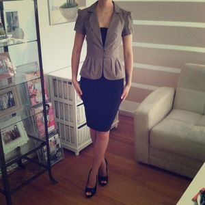 💢BUNDLED🎉HOST PICK🎉Adorable short sleeve blazer