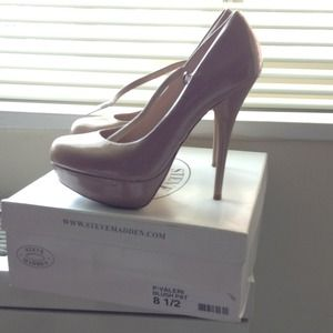 Steve Madden Blush Pumps!