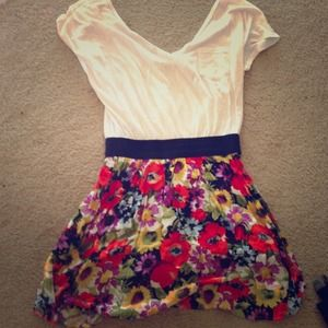 ❤ Super cute floral summer dress! ❤