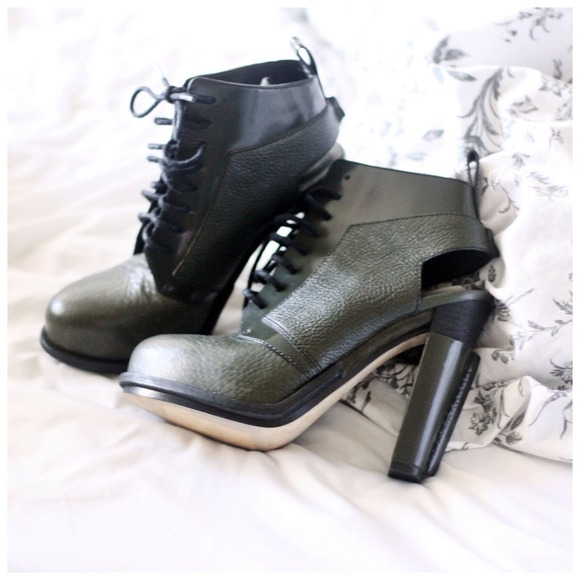 Alexander Wang Boots - ⚠Lowered⚠Alexander Wang Dakota in Army Green