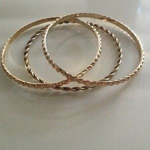 Jewelry - Set of 3 Gold Tone Bangles