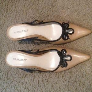 Ladies Tan shoes size 7