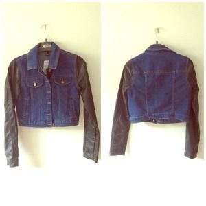 FOREVER 21 DENIM JACKET W/ BLACK SLEEVES
