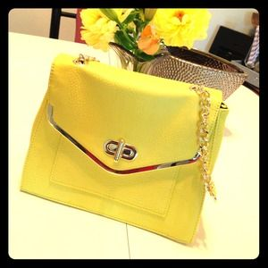 Olivia + Joy Handbags - Yellow Chain Strap Bag💛