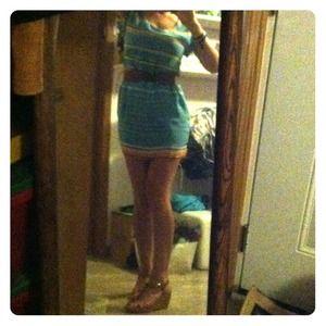 Dresses & Skirts - 👗Beautiful summer/fall silt boutique dress👗
