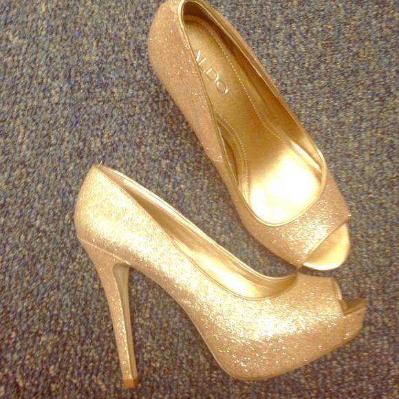 adced93aa1ea ALDO Shoes | Brand New Gold Glitter Peep Toe High Heels | Poshmark