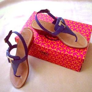 💕2X HOST PICK💕Tory Burch t-strap sandal