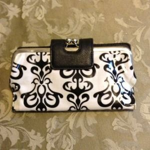 White Clutch With Black Design