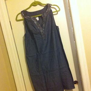 Dresses & Skirts - Beaded neckline shift dress