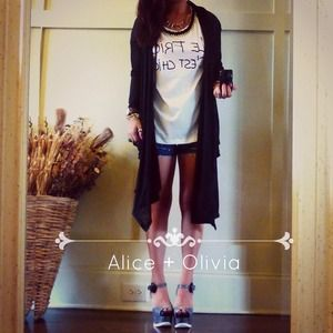 ⛔BUNDLED⛔✨ ALICE + OLIVIA black wrap cardi