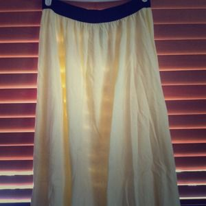 Dresses & Skirts - Pale yellow/black waist maxi skirt