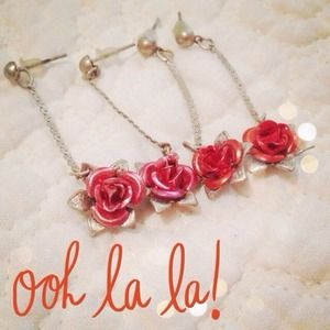 ❤HOST PICK❤Rose earrings