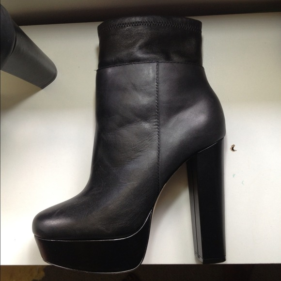Steve Madden - Steve Madden A Yoko 7.5 Black Platform Ankle Boots ...