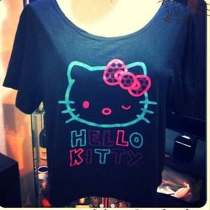 Hello Kitty Tops - ⛔SOLD IN A BUNDLE ⛔BLACK HELLO KITTY CROP TOP
